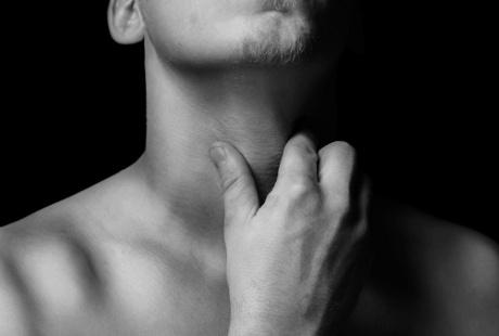tips-mengilangkan-sakit-tenggorokan